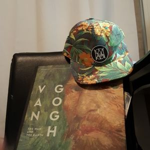 """Double portion supply """"Aloha"""" floral snapback hat"""